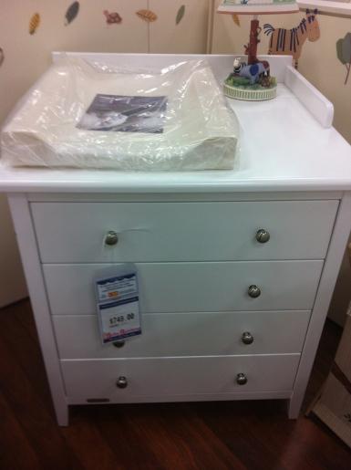 I nursery - change table in shop